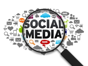 Employees' Social Media Activities under the magnifying glass